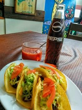 メキシコ タコス+コーラ+ソース.jpg